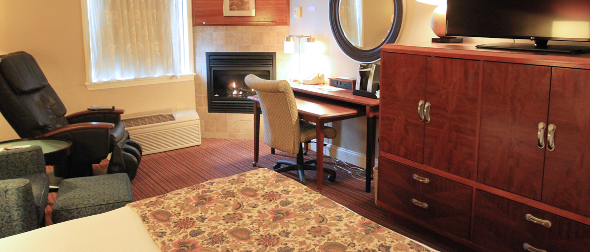Lebanon NH Hotel Fireplace Guest Room